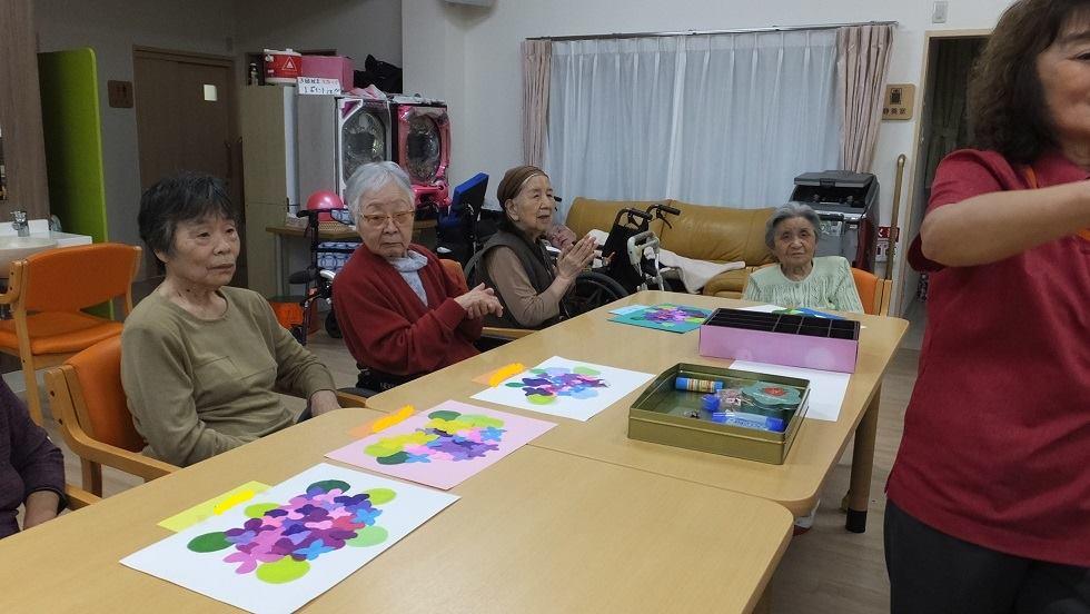 紫陽花の切り絵(老人ホーム大宮司)3