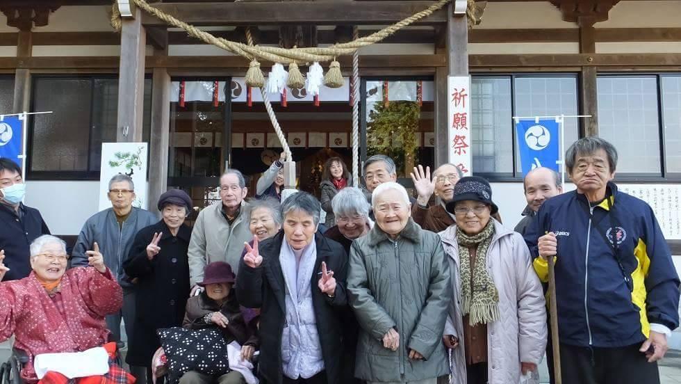 内竈神社へ初詣(老人ホーム大宮司)2