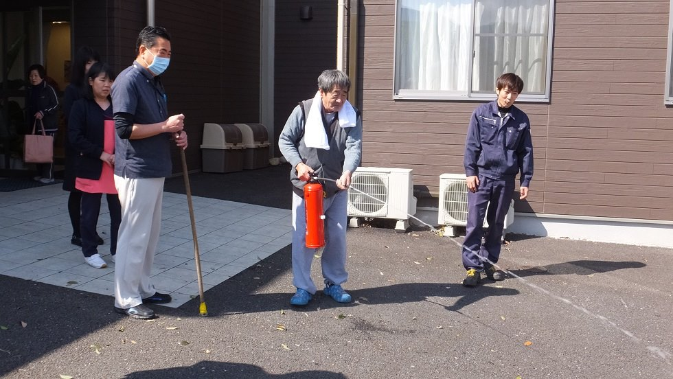 3月行事 防災避難訓練(老人ホーム大宮司)4